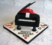 piano birthday cake 14fb7e9264f250.jpg