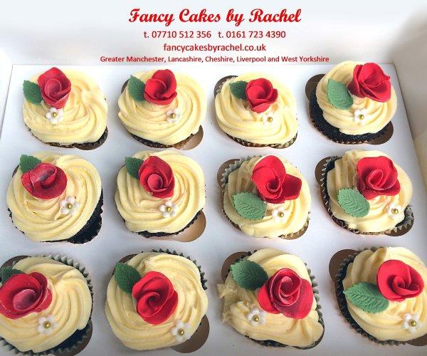 Mehndi Cushion Cake : Rose cupcakes  e dd g