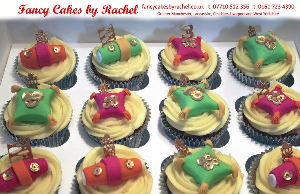 Mehndi Cushion Cake : Mehndi cupcakes