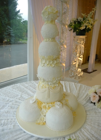 asian wedding cakes in manchester wedding cakes manchester birthday cakes manchester 10876